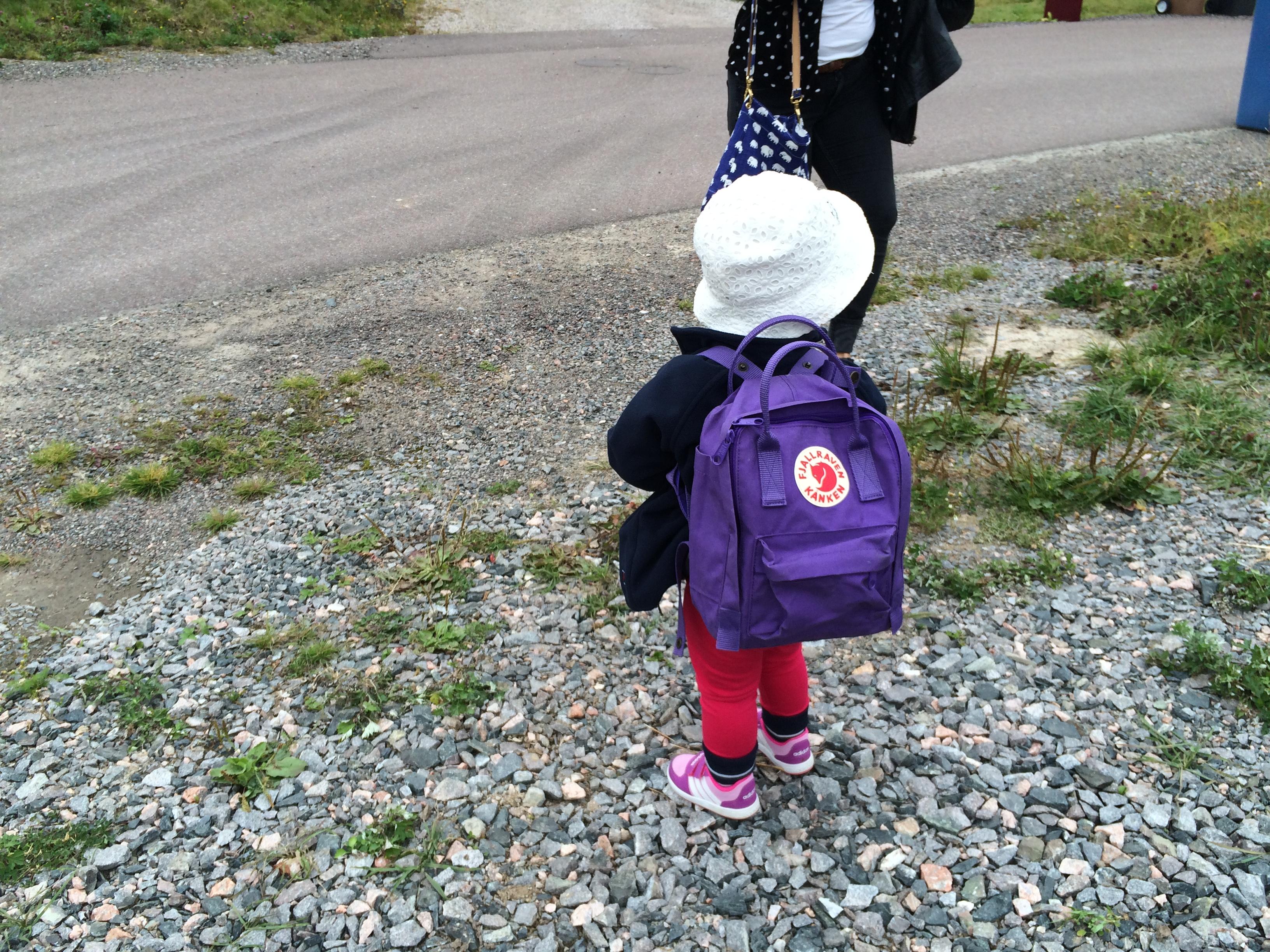 Laddad för första dan på förskolan.